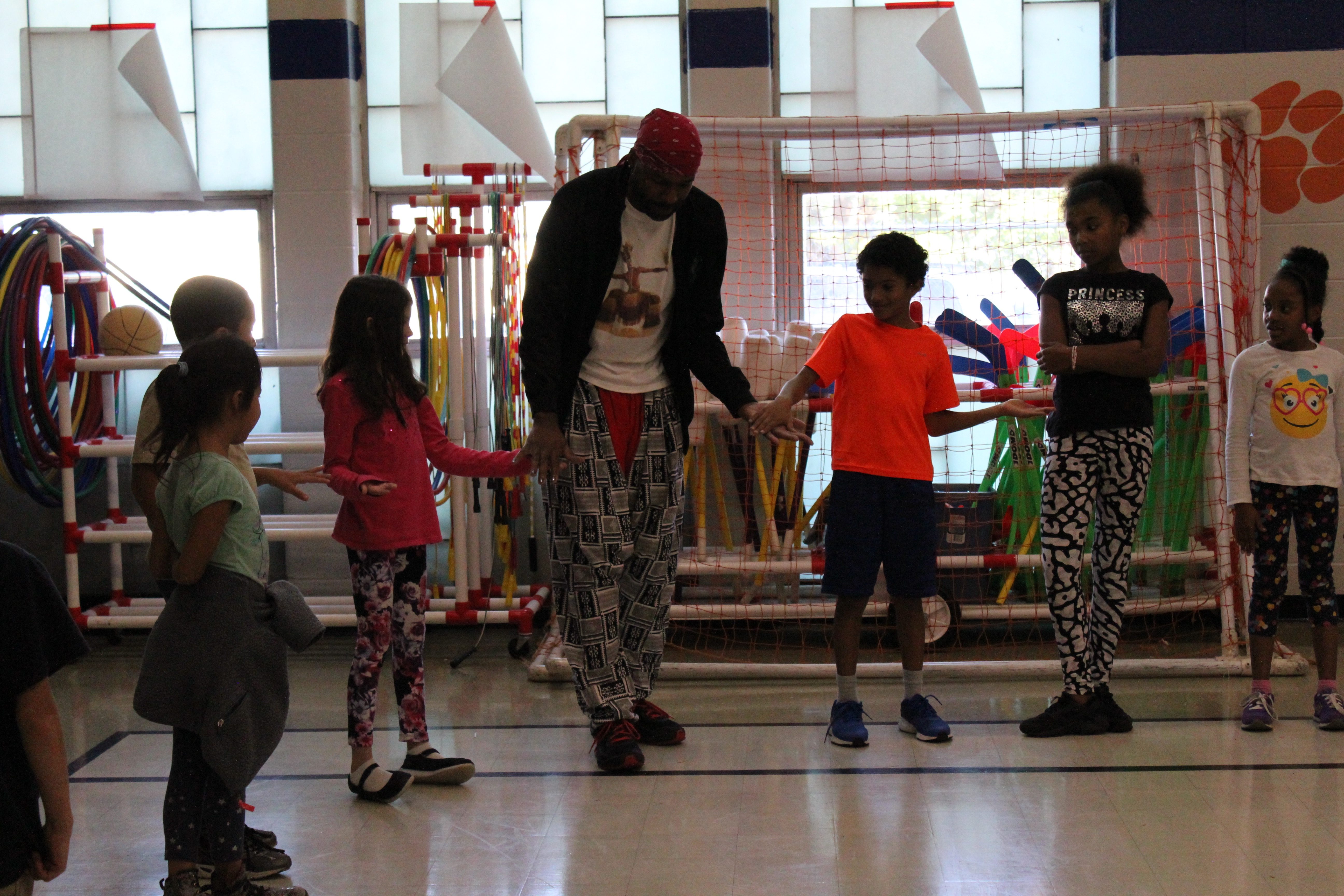 Stafford Berry Teaches Rhythm to Students