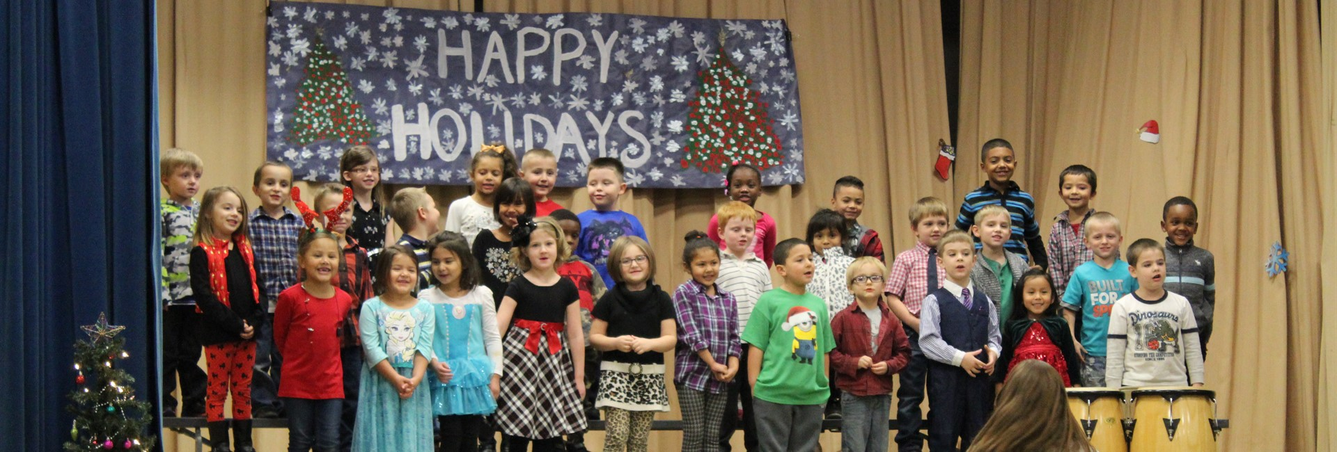 Students at Glenn O. Swing perform for the holiday program.