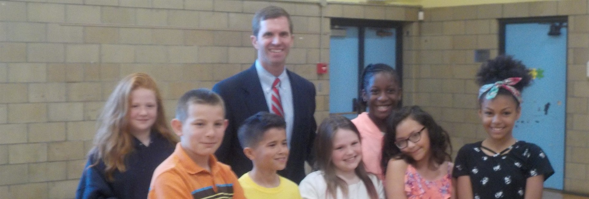 Students take a photo with Kentucky Attorney General Andy Beshear